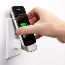 Bluelounge Mini Dock 30 Pin - Charges Your Iphone / Ipod Directly Into The Wall Socket.